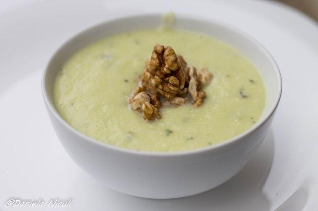 supa de dovlecei cu branza de capra